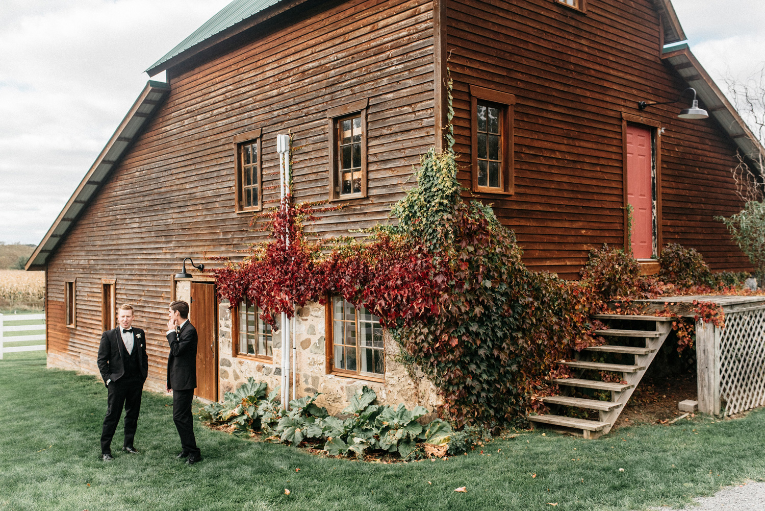Birch Hill Barn Fall Wedding Captured by Geneoh Photography