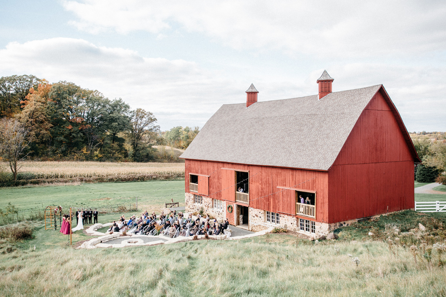 Outdoor Barn Ceremony by Geneoh Photography
