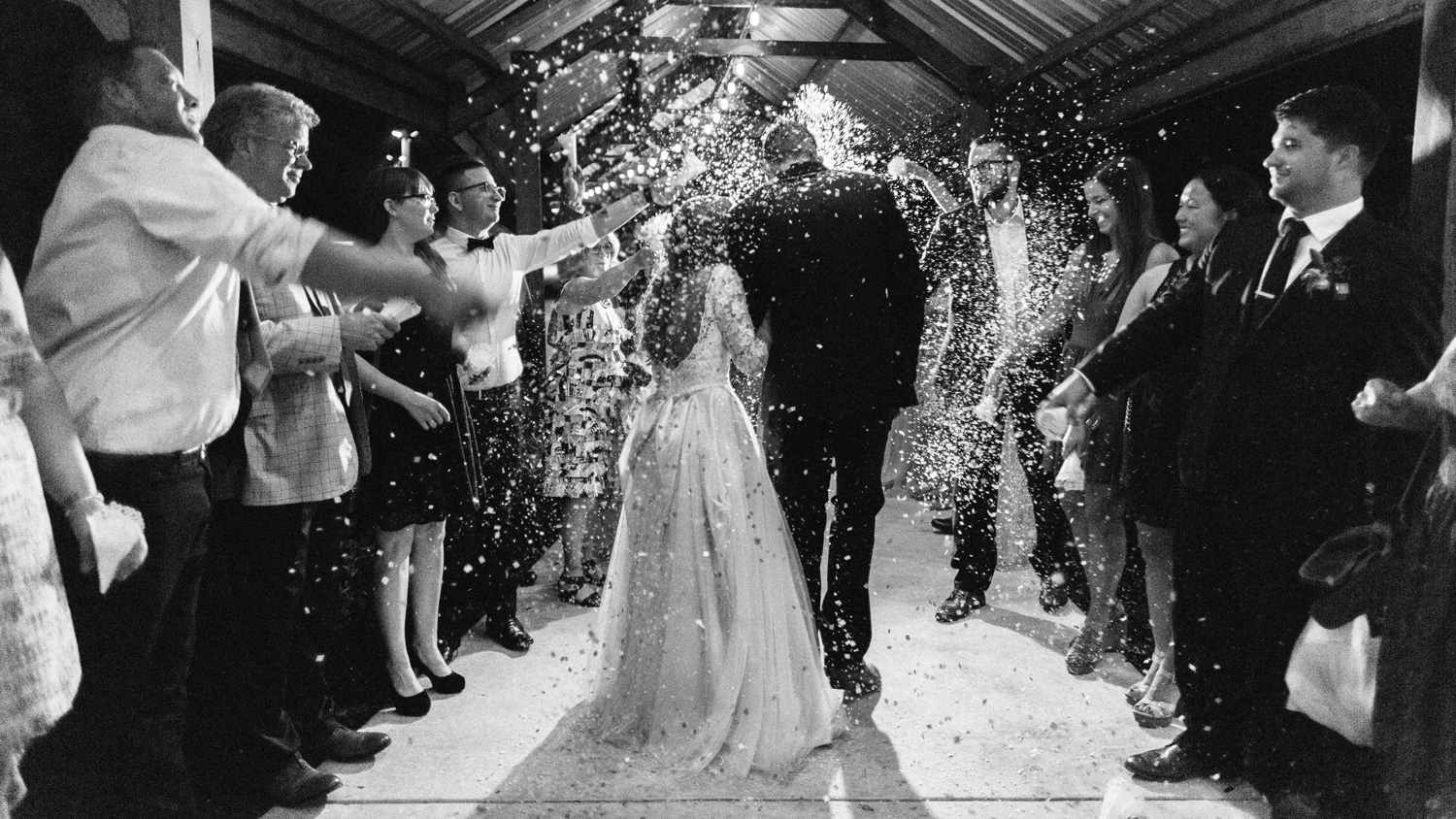 Confetti exit at Southwind Hills by geneoh photography
