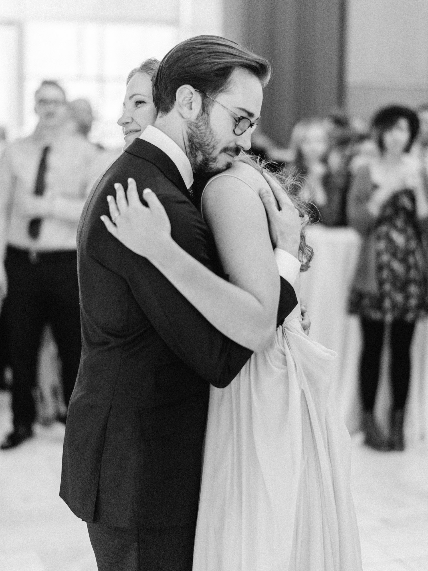 Bride and groom share first dance at Des Moines Art Center Wedding
