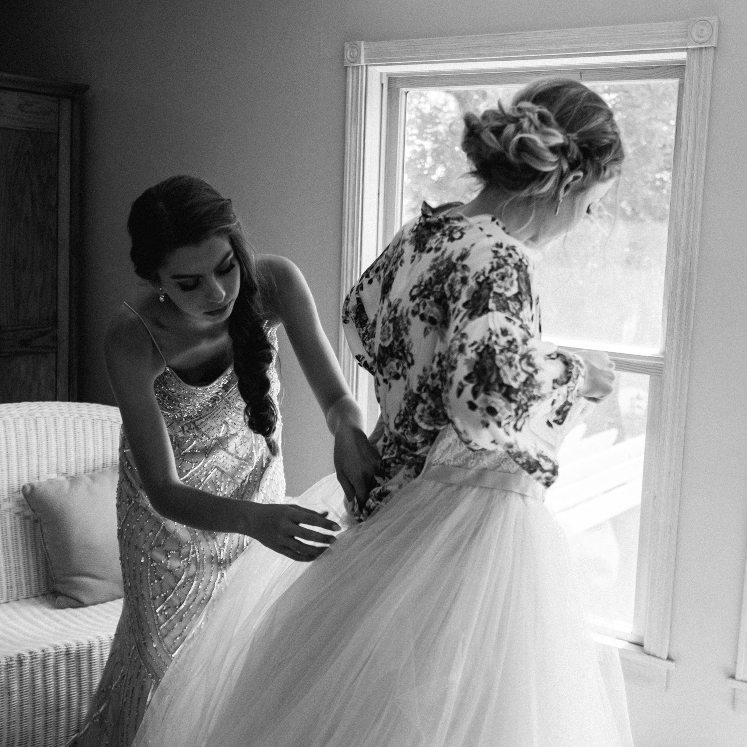 bride getting ready at Rustic Oaks