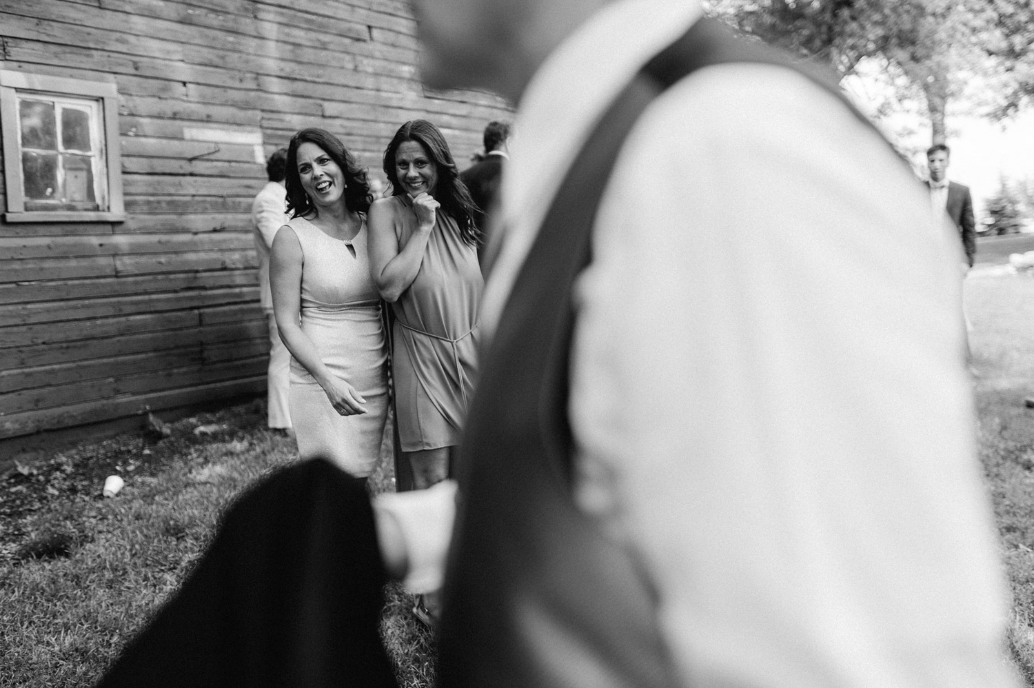 candid during wedding at rustic oaks by geneoh photography