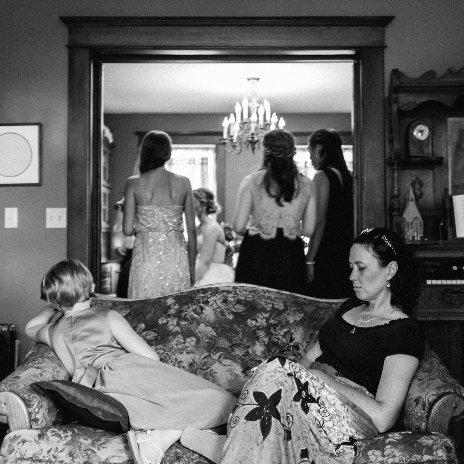 candid moment captured at Rustic Oaks by geneoh photography