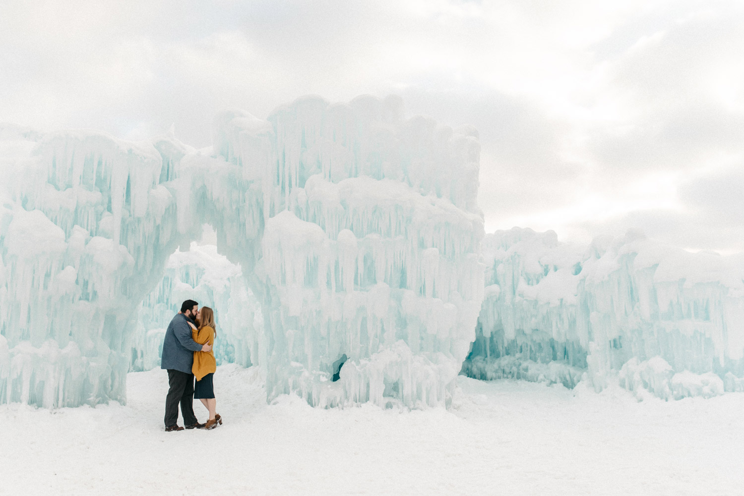 Winter Engagement photography by geneoh photography