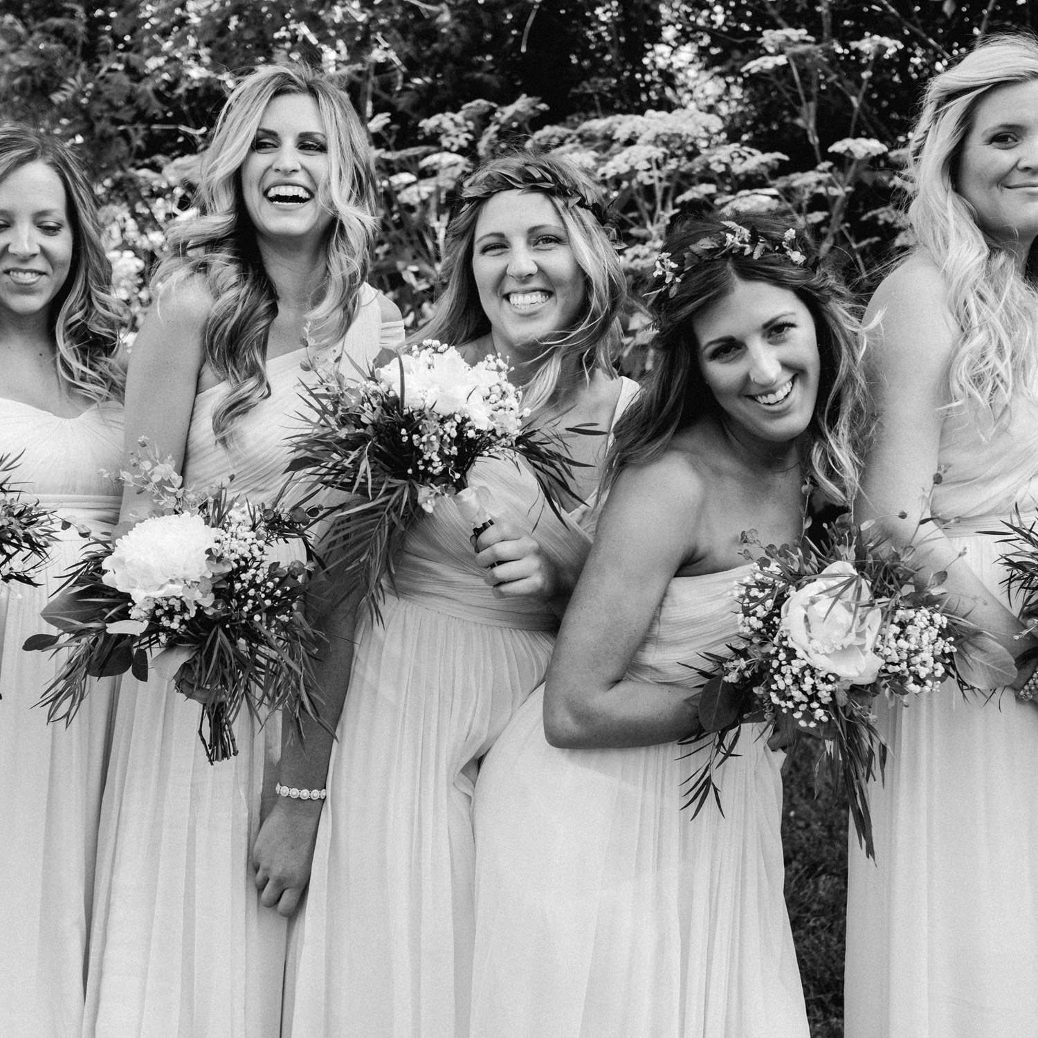 candid moment of bridesmaids by geneoh