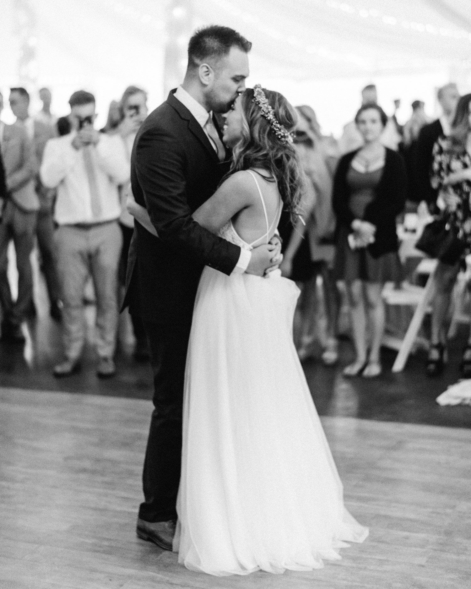 First dance of bride and groom by geneoh photography